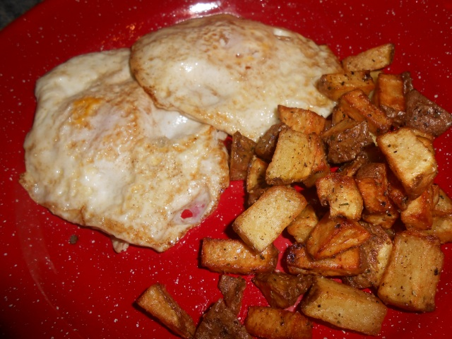 homegrown fried eggs and taters