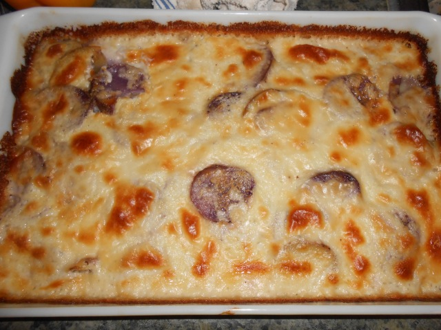 the finished scalloped potatoes